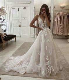Tulle Wedding Dresses, V Neck Wedding Dress, Cute Wedding Dress, Wedding Dress Trends, Ball Dresses, Ball Gowns, Dresses Dresses, Disney Wedding Dresses, Lace Wedding Dresses