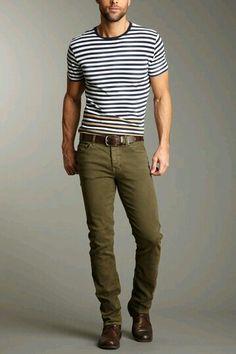 Simple enough. fashion moda, fashion tips, mens fashion, olive pants, olive Looks Style, Casual Looks, My Style, Stylish Men, Men Casual, Casual Styles, Style Vert, Olive Pants, Olive Chinos