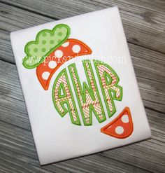 Made for Monogram Carrot Easter Applique. Perfect for all those Easter projects. Add your monogram for a personalized touch. Comes in 4 sizes.