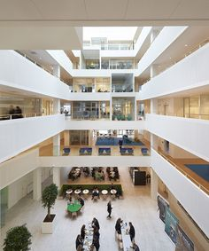 Microsoft's new, Danish domicile gathers two units under the same roof. The design of the building originates in Microsoft's approach to work, where cooperation and knowledge sharing are key. The building is located in Lyngby, north of Copenhagen, Denmark, and designed by Henning Larsen Architects. Photo by Hufton + Crow.