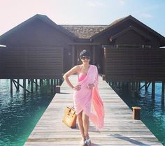 Mandira Bedi sizzles in bikini saree in Maldives Bollywood Girls, Bollywood Actress, Curvy Bikini, Celebrity Magazines, Holiday Looks, Traditional Sarees, Real Beauty, Bikini Bodies, Gq