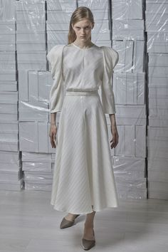 See the complete Vika Gazinskaya Spring 2018 Ready-to-Wear  collection.
