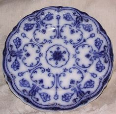 9 In luncheon plate. 'Conway' pattern English Staffordshire platter. Exc bottom marks