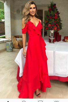 Платье Straps Prom Dresses, Bridesmaid Dresses, Mode Blog, Long Evening Gowns, Dress Making, The Dress, Beautiful Dresses, Ideias Fashion, Party Dress