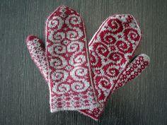 Ravelry: Lussekatter pattern by Alice Yu