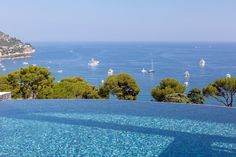 Villa Paradise French Riviera | 5 Bedroom Luxury Villa Rental in Eze-Mer | www.casalio.com | 10 people, private pool |  www.casalio.com | #casalio  #casaliovillas  #casaliotravel  #vacationrental  #vacationrentals  #holidayrental  #holidayrentals  #luxuryvillas  #villasforrent  #luxuryvilla  #villarental  #villarentals  #rentalvilla  #vacationvillasinezemer  #ezemervillastorent  #luxuryvillasnice  #montecarloluxuryvillas  #casaliovillas