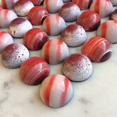 Handcrafted, artisan chocolate shop located in St. Offering macarons and cookies. Chocolate Candy Recipes, Chocolate Covered Treats, Homemade Chocolate, Artisan Chocolate, Chocolate Shop, Truffle Recipe, Handmade Chocolates, Chocolate Packaging, Confectionery