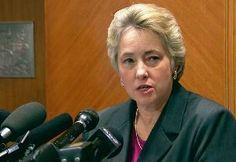 Cerca a la Medianoche: Alcaldesa lesbiana de Houston ordena apresar pasto...