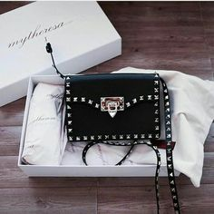 women handbags and purses Valentino Bags, Fashion Handbags, Purses And Handbags, Fashion Bags, Fashion Mode, Lifestyle Fashion, Backpack Purse, Purse Wallet, Designer Purses