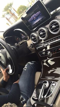 Mercedes – Karina Cortez – Join in the world Mercedes Girl, Mercedes Amg, Couple Pictures, Girl Pictures, Tumblr Car, Mode Poster, Girls Driving, Cute Cars, Girl Photo Poses