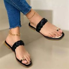 Toe Ring Sandals, Slipper Sandals, Beach Sandals, Toe Rings, Ankle Strap Sandals, Strap Heels, Pretty Sandals, Pretty Shoes, Gorgeous Feet