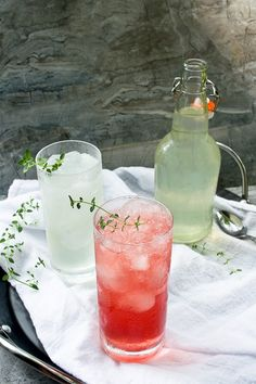 This fermented, vegan probiotic drink is easy to make at home, and is a delicious, light, and flavorful alternative to milk kefir or kombucha. Beer Recipes, Drinks Alcohol Recipes, Drink Recipes, Vegan Recipes, Probiotic Drinks, Non Alcoholic Drinks, Cocktails, Fruit Drinks, Yummy Drinks