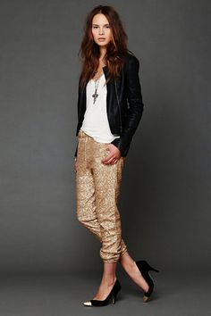 LOVE this flipping outfit. // 10 Stylish Ways To Rock Sequins During The Day