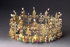Crown   found in the shrine of Saint Simeon in   Zara (Zadar), probably donated by King   Louis the Great or Queen Mary.