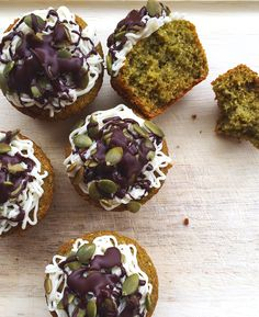 These green pumpkin-seed cupcakes feature moringa: a vitamin-rich superfood that's more nutritious than kale! Roasted Pumpkin Seeds, Roast Pumpkin, Real Food Recipes, Cooking Recipes, Yummy Food, Paleo Food, Food Tips, Moringa Powder, Moringa Oil