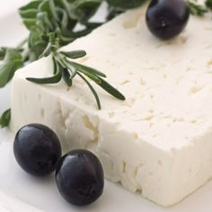 Scientists finally discover what makes Feta the healthiest cheese in the world - Greek City Times Gourmet Cheese, Fermented Foods, Appetisers, Greek Recipes, Goat Milk, Food Porn, Yummy Food, Homemade, Feta