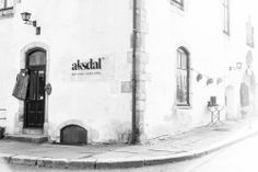 Aksdal i Muren is located in on of the oldest buildings in Bergen, Norway.