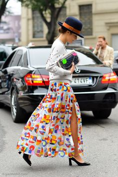 I love this fun, candy-colored Chanel print on Eleonora Carisi's floaty silk skirt. The takeout container Chanel bag was another covetable item seen on the streets this past fashion week. Bank Fashion, Fashion Week, Star Fashion, High Fashion, Winter Fashion, Womens Fashion, Spring Fashion, Street Style Chic, Chanel Street Style