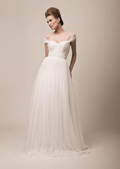 YVONNE  suknie ślubne Kolekcja 2012
