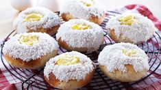 Kanelknuter Fra Bakeriet I Lom - Oppskrift fra TINE Kjøkken Custard Buns, Norwegian Food, Reception Food, Bread And Pastries, Something Sweet, Bread Baking, Gluten Free Recipes, Muffins, Bakery