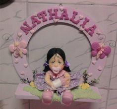 Porta de maternidade para menina em biscuit , personaliso e coloco o nome da criança