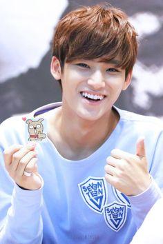Mingyu 민규 from Seventeen 세븐틴 Mingyu Seventeen, Seventeen Debut, Hip Hop, Woozi, Jeonghan, K Pop, Kim Min Gyu, Choi Hansol, Won Woo