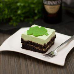 der St. Patrick's Day LC Guinness Kuchen ist ein geballter Leckerbissen. Er ist so süß und lecker und doch ist er Kohlenhydratarm (Low Carb).