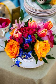 A Styled Shoot with Vibrant Florals Inspired by Alice in Wonderland - Inside Weddings Wedding Shoot, Wedding Themes, Wedding Colors, Wedding Ideas, Wedding Stuff, Tulip Wedding, Low Centerpieces, Alice In Wonderland Wedding, Reception Decorations
