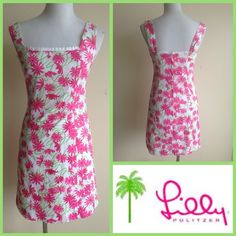 Tonight only! Lilly  Pulitzer Tropical Print Dress Lilly Pulitzer Pink, White Kelly Green Floral Dress. this is original Lilly not for Target. Fully lined and perfect for the summer. Lilly Pulitzer Dresses