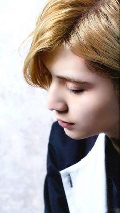 山田涼介 Japanese Boy, Japanese Models, Japanese Beauty, Ryosuke Yamada, Actor Model, Beautiful Men, Idol, At Least, Jumpers