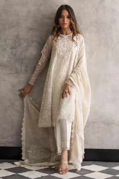 Beautiful white organza 3 piece stitched dress by Nida Azwer traditional embroidered dresses 2018 - Online Shopping in Pakistan Pakistani Dress Design, Pakistani Outfits, Pakistani White Dress, White Anarkali, White Kurta, Pakistani Party Wear, Pakistani Fashion Casual, Indian Wedding Outfits, Indian Outfits