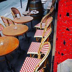 """#cafeparisien """"Le Chat Sur La Banquette"""" Travel & Lifestyle Blog - exploring our hood! lechatsurlabanquette.com #blogging #lechatblog #lcslb #cafe #paris #streetphotography #parisnord #montmartre #abbesses #urbanexplorer  #walkingparis #streetartparis #walkingaround #parismyhood #parismaville #parismonamour #parismylove #frenchstyle"""