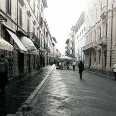 A Faded #Pisa (Corso Italia) Photo by @marygrace86