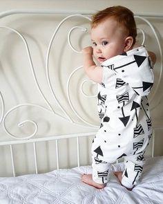 BNWT Pretty Baby Girls Organic Bamboo White//Rose Spot Baby Grow Newborn