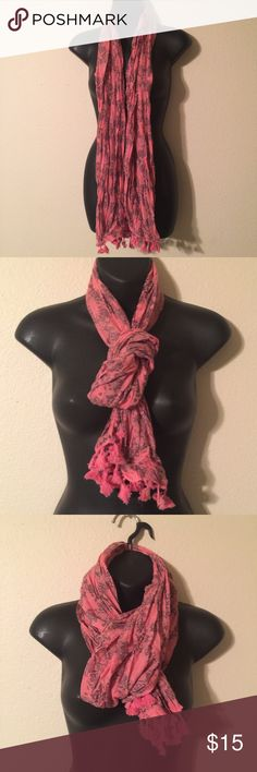 New Pink Scarf New Pink Scarf With a Gray Print Accessories Scarves & Wraps
