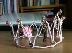 Cute crown craft! made by mama kong.