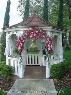 Nice Gazebo Wedding Flower Arrangements | Diamond Bar Golf Course Gazebo Flowers