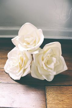 DIY White Paper Flowers - don't they look real?
