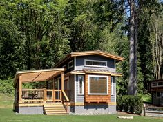 Park Model Manufactured Home Porch Inspiration Mobile Home Living, Home And Living, Tiny Living, Building A Porch, Building A House, Manufactured Home Porch, Porch Kits, Park Model Homes, Rustic Exterior