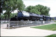 While the Big Boy's locomotive body was the longest engine, the boiler of a Big Boy fits inside of an H-8 Alleghenys boiler. The H-8 Allegheny was also heavier than a Big Boy, weighing in at 1,207,040 lbs without being fully loaded with water and fuel.  http://www.cheyenne.org/