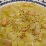Zuppa+di+cavolo+cappuccio,+patate+e+cannellini+(con+semi+di+finocchio)
