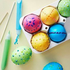 2 Girls, 1 Year, 730 Moments to Share: Easter Eggs using Puff Paint