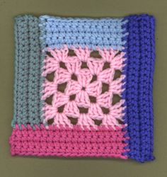This 5 Color Log Cabin Granny is a quick and easy stash-busting project. With the help of this log cabin crochet pattern, you'll put 5 different colors of yarn from your scrap pile to good use. It doesn't matter if you coordinate the colors. Crochet Squares, Crochet Afghans, Crochet Quilt, Granny Square Crochet Pattern, Crochet Blocks, Afghan Crochet Patterns, Crochet Granny, Crochet Motif, Crochet Yarn