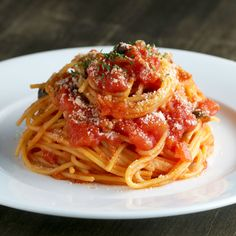 Easy Tomato Pasta Dish (without using a knife) One Dish Dinners, Dinner Dishes, Lunches And Dinners, Pasta Dishes, Meals, Paula Deen, Chicken Basil Pasta, Tuna Pasta, Quinoa