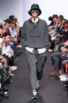 Münn Seoul Spring 2018 Fashion Show Collection