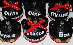 Diy Mickey and Minnie ornaments Disney Christmas Crafts, Mickey Mouse Christmas Tree, Disney Christmas Decorations, Kids Christmas Ornaments, Disney Ornaments, Disney Crafts, Homemade Christmas, Christmas Holidays, Glitter Ornaments