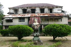 Abandoned plantation house at the former plantation of Alliance ...