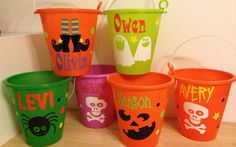 Halloween bucket: Personalized Halloween sand pail, beach bucket with shovel for use as trick or treat candy bag or party favor, black cat