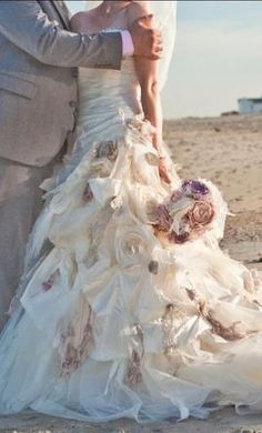 Ian Stuart Flowerbomb 14: buy this dress for a fraction of the salon price on PreOwnedWeddingDresses.com #wedding#mybigday