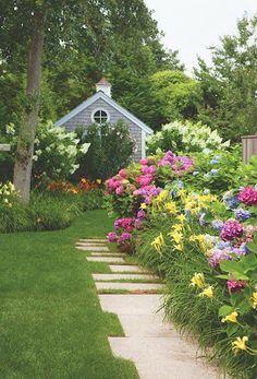 Beautiful Cape Cod Cottage Garden  !